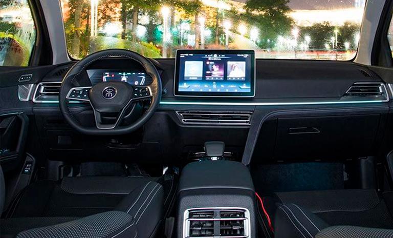 Interior de camioneta eléctrica Song Pro EV