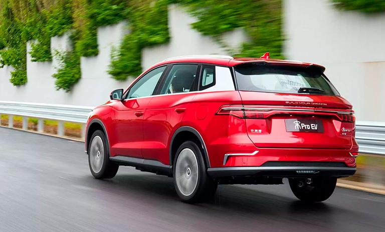 Carros eléctricos Song Pro EV en ruta
