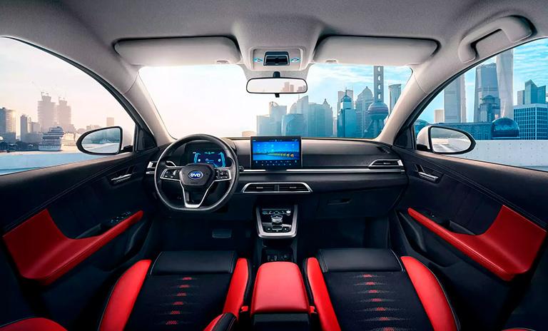 Interior de los carros eléctricos e3 HB